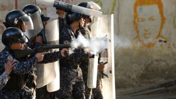"""Le Venezuela accuse Washington d'avoir ordonné """"un coup d'État fasciste"""""""