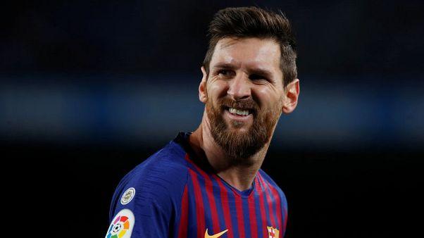 ميسي خارج تشكيلة برشلونة امام اشبيلية في كأس الملك وانضمام بواتنج