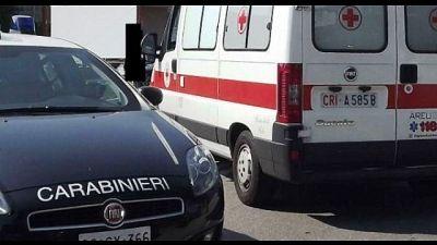 Muore carbonizzato in strada a Milano