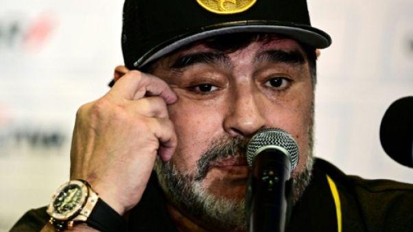 """Disparition Sala: Maradona espère que l'avion """"s'est trompé d'aéroport"""""""