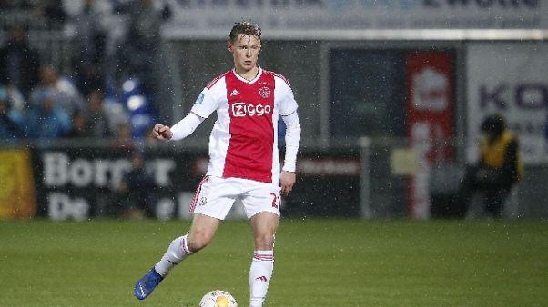 Calcio: de Jong a un passo dal Barca