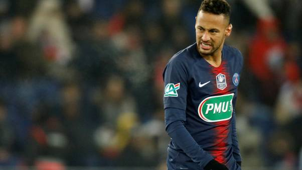 Neymar injured as PSG reach French Cup last 16
