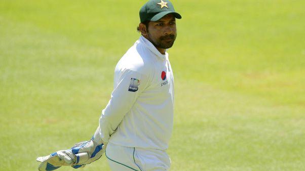 Pakistan captain Sarfraz apologises for controversial taunt