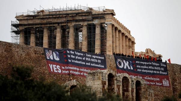 Greek protesters drape banners on Acropolis opposing Macedonia name deal