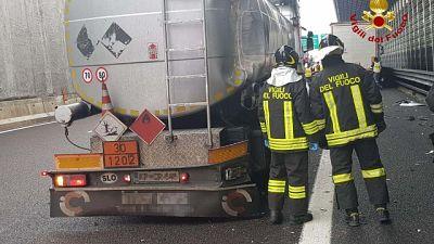 Scontro tra più vetture in A1, 9 feriti