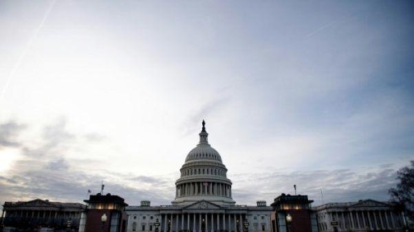 """Shutdown"": Trump mis en échec au Sénat, les négociations reprennent"