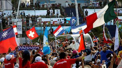 Papa: 250 mila giovani ad apertura Gmg