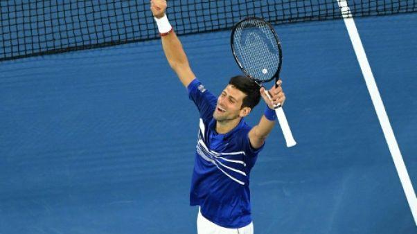 Open d'Australie: Djokovic ramène sèchement Pouille sur terre