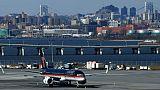 """Retards en pagaille dans un aéroport new-yorkais à cause du """"shutdown"""""""
