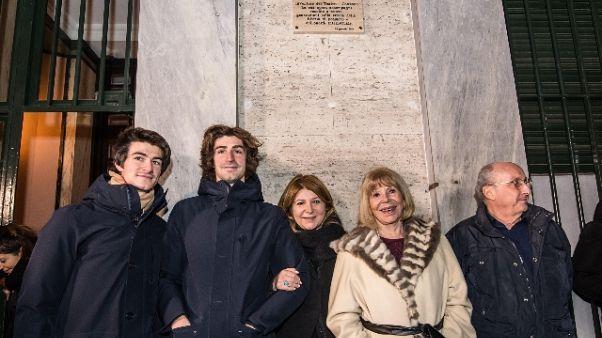 Gaber: a Milano targa per il signor G.