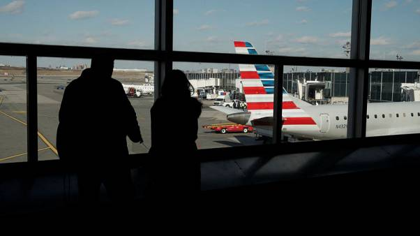Flights disrupted at U.S. East Coast airports as shutdown drags on