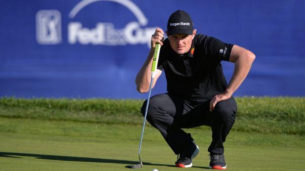 Golf - Rose has three-shot halfway lead at Torrey Pines, Woods 11 back