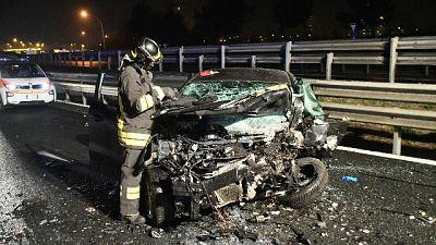 Auto contromano, un morto e 4 feriti