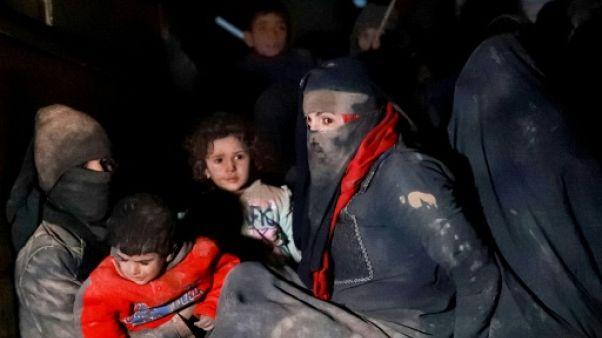 En Syrie, civils et proches de jihadistes fuient l'ultime fief de l'EI