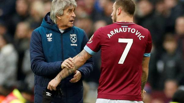 Arnautovic says he's staying at West Ham