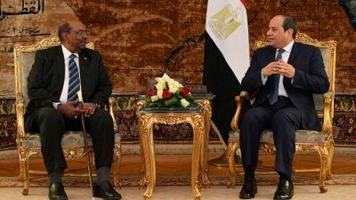 """Béchir accuse """"les médias"""" d'exagérer les manifestations au Soudan"""