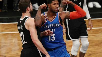 NBA: Paul George coule Milwaukee, James Harden sauve encore Houston
