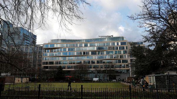 London Metal Exchange lifts suspension on holding Rusal metal in LME warehouses
