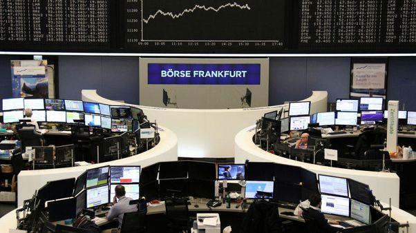 الأسهم الأوروبية تتراجع قبل أسبوع حافل