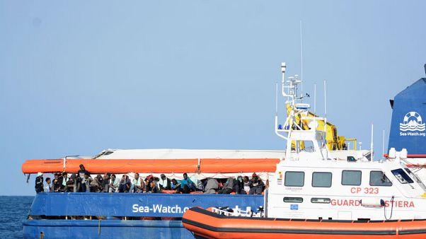 هولندا ترفض طلبا إيطاليا بقبول 47 مهاجرا على متن سفينة إنقاذ