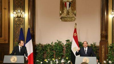 """Macron à Sissi: la """"stabilité"""" d'un pays va de pair avec """"le respect des libertés"""""""