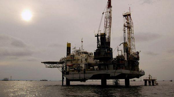 أسعار النفط ترتفع 2% بعد عقوبات أمريكية على فنزويلا