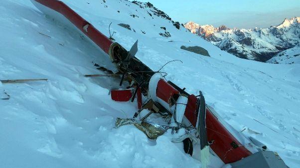 Incidente aereo, pilota non risponde