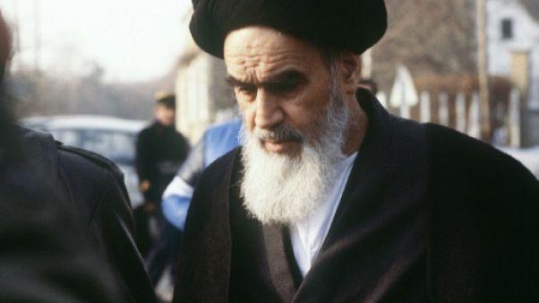 De Paris à Téhéran avec l'ayatollah Khomeiny, le témoignage de l'AFP