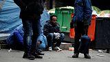 الشرطة الفرنسية تخلي مخيما للمهاجرين في باريس