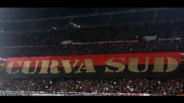 C.Italia: cori Curva Milan contro Napoli