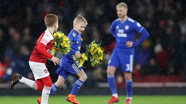 Cardiff and Arsenal pay tribute to missing Sala