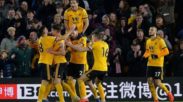 Jimenez late show helps Wolves outclass West Ham