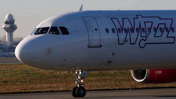Budget airline Wizz gains UK route licence, reiterates guidance