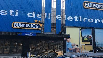 Terza bomba a negozi Foggia in 7 giorni
