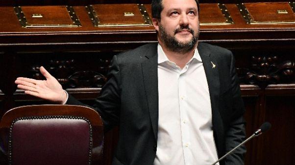 Salvini, limiterò accesso acque italiane