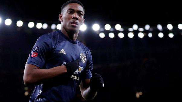 Martial extends Manchester United deal to 2024