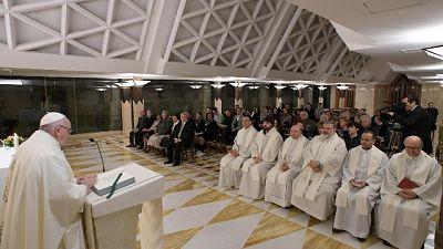 Papa: sacerdoti siano animati da gioia