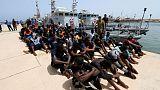 جهود الإغاثة لا تخفف محنة المهاجرين العالقين في ليبيا