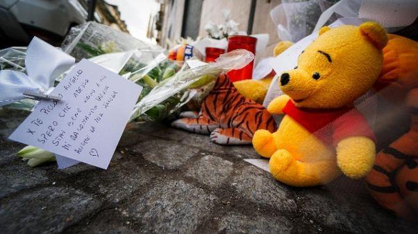Bimbo ucciso: indagini su ruolo madre