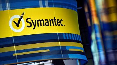 Symantec beats revenue estimates, CFO steps down