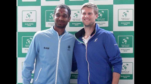 Davis, vantaggio Italia 1-0 su India