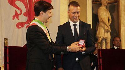 Auguri di Renzi e Nardella a Batistuta