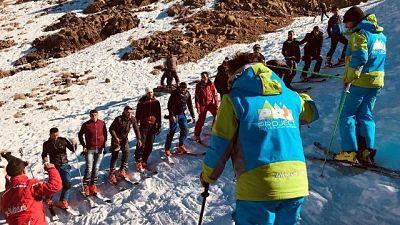 'Let's ski together' in pista in Marocco