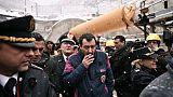 Italie : Matteo Salvini et les uniformes de la discorde