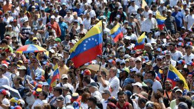 Venezuela: pressions européennes sur Maduro, ferme sur ses positions