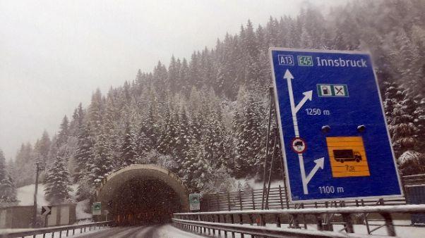 Caos neve Alto Adige: riapre la statale