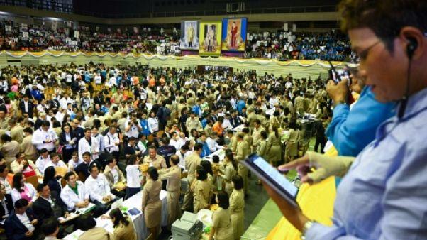 En Thaïlande, afflux de candidats aux premières législatives depuis le coup d'Etat