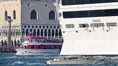 Venezia, tassa di accesso da 6 a 10 euro