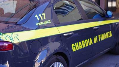 Riciclano denaro in Algeria, 19 arresti