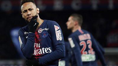 Neymar convalescente balla per i 27 anni